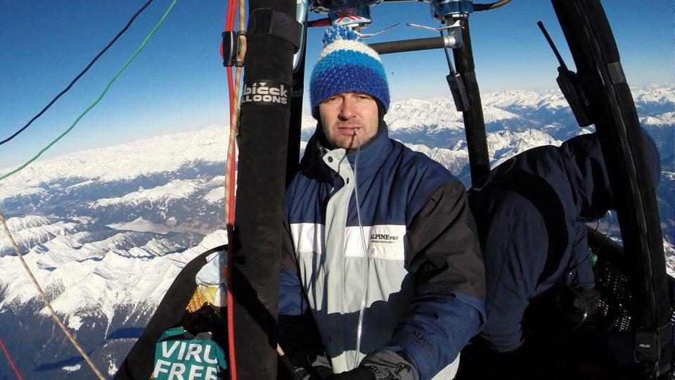 Při přeletu Alp ve vysokých leteckých hladinách je potřeba používat kyslík. V tomto případě přelet Alp z Rakouska do Itálie až k moři