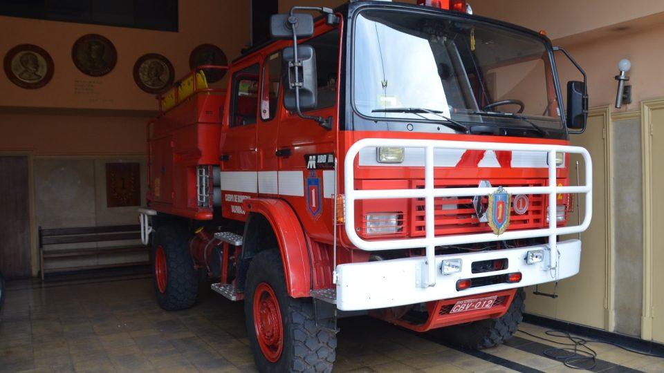 Terénní hasičské auto 1. sboru ve Valparaísu. Tahle jednotka jezdí často k lesním požárům