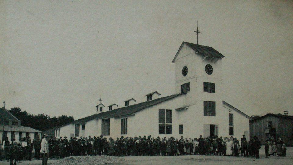 Kostel v barákové kolonii Polská Choceň