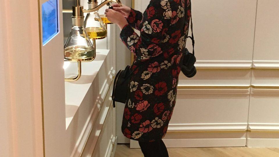 V muzeu parfémů se k exponátům zásadně čichá