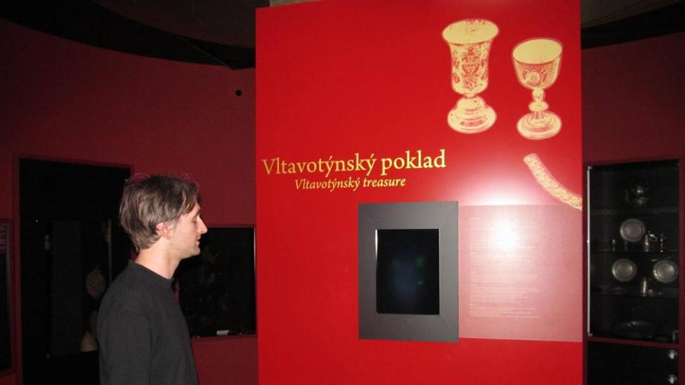 Vltavotýnský poklad nakonec kvůli vysokým nákladům nebylo možné vystavit, připomíná ho tedy holografická expozice