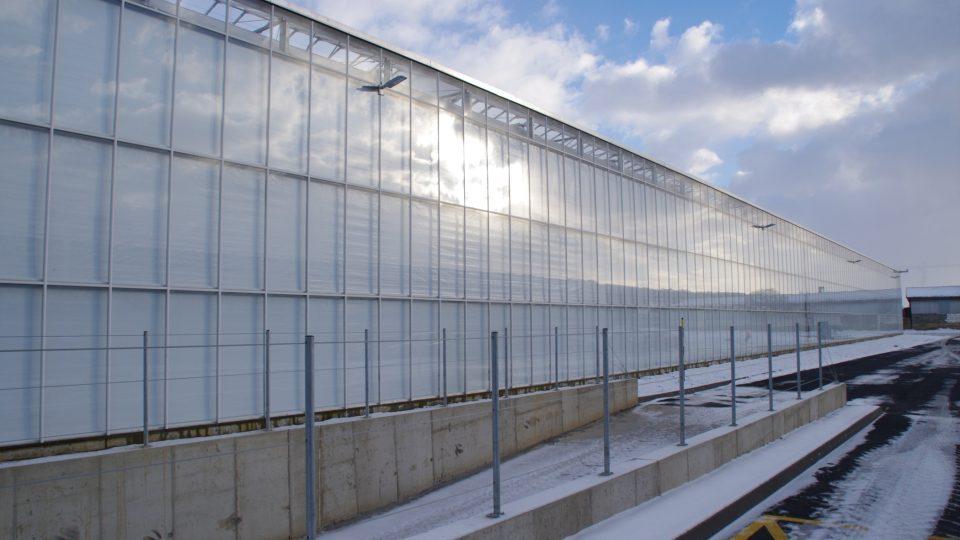Podle potřeby lze skleníky i zaclonit