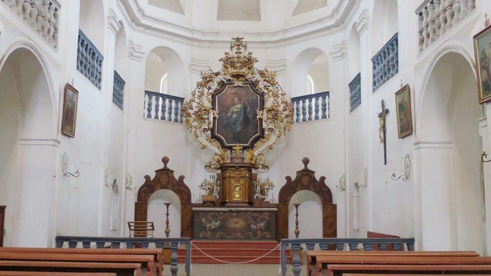 Interiér kostela sv. Markéty v Podlažicích