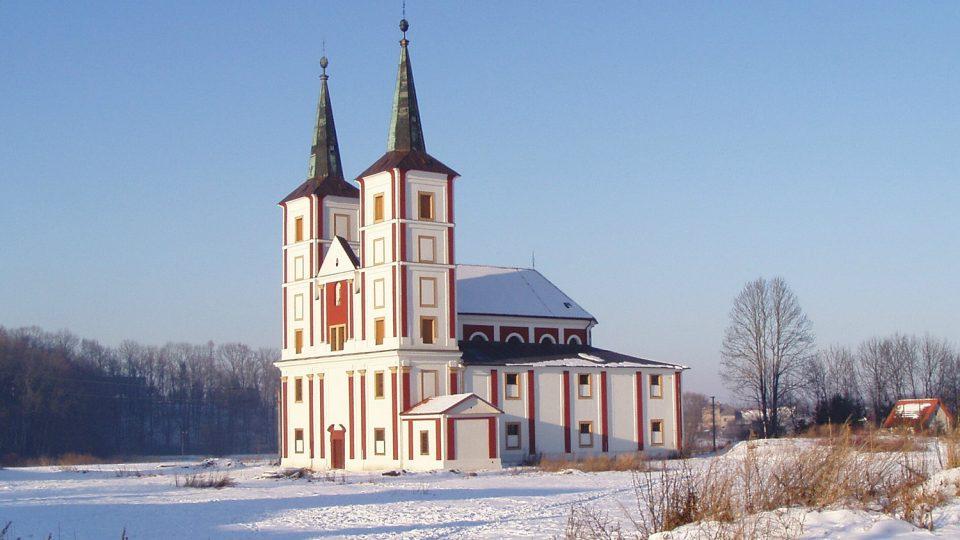 Kostel sv. Markéty v Podlažicích stojí na místě baziliky někdejšího benediktinského kláštera