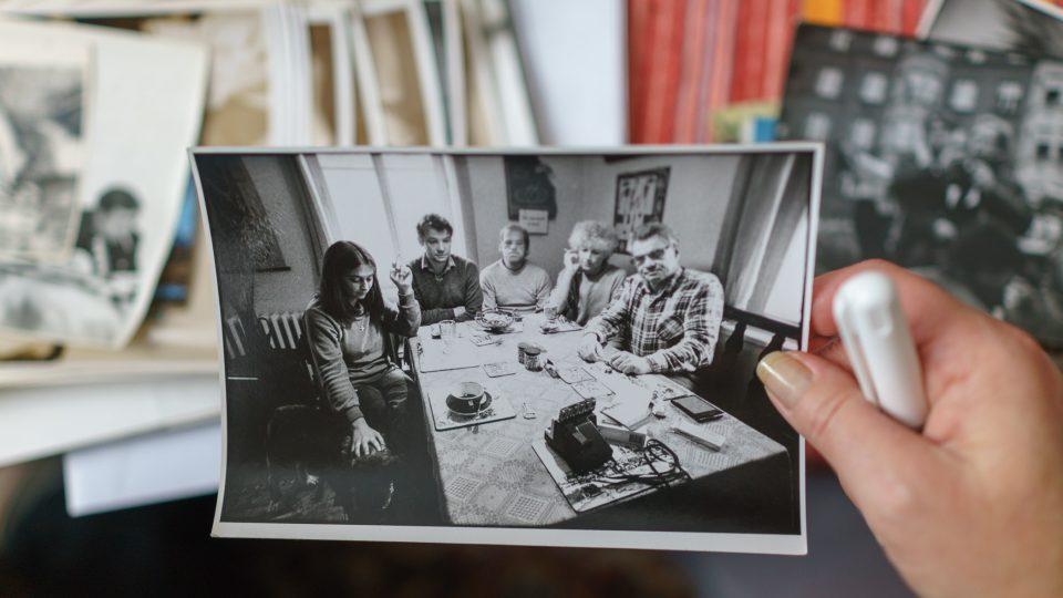 u Havlových na Hrádečku, zleva Pavla Paloušová, Martin Palouš, Václav Havel, Olga Havlová