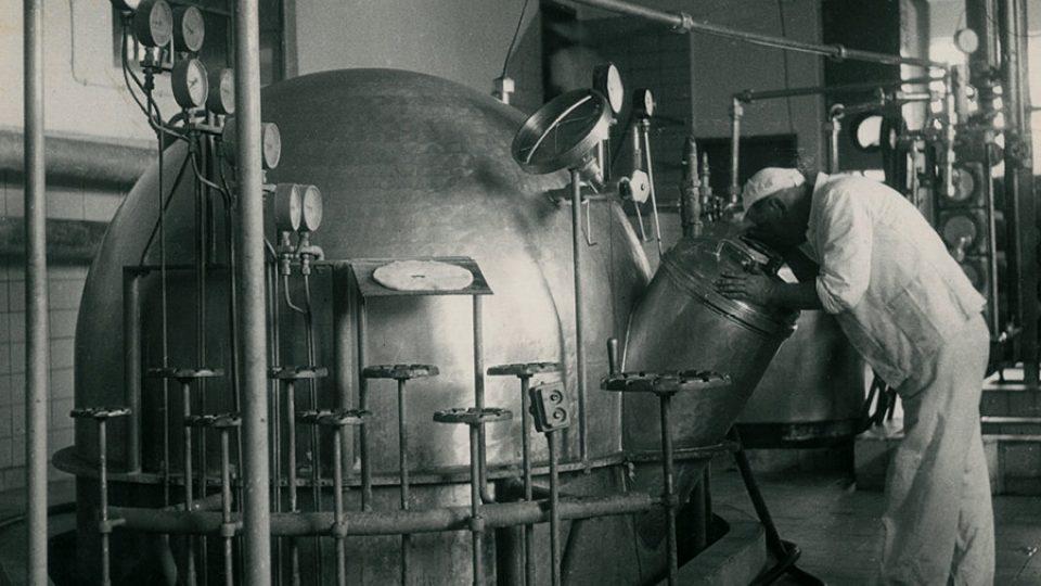 Nádoby na kondenzaci mléka jsou v provozu už od 40. let minulého století