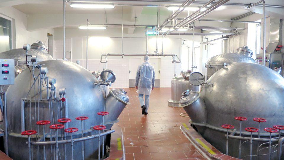 Součástí provozu mlékárny jsou už od 40. let minulého století nádoby na kondenzaci mléka