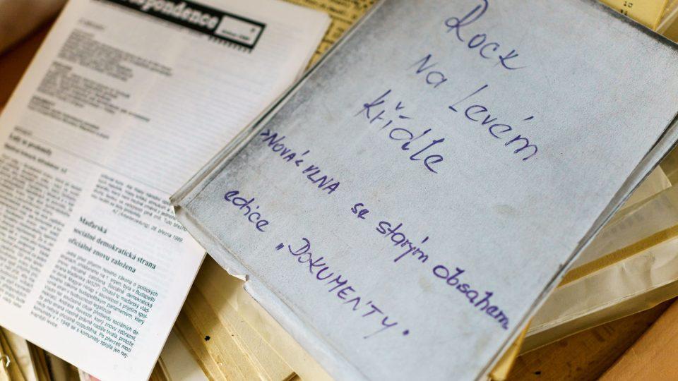 Samizdatová literatura z archivu Simony Hradílkové
