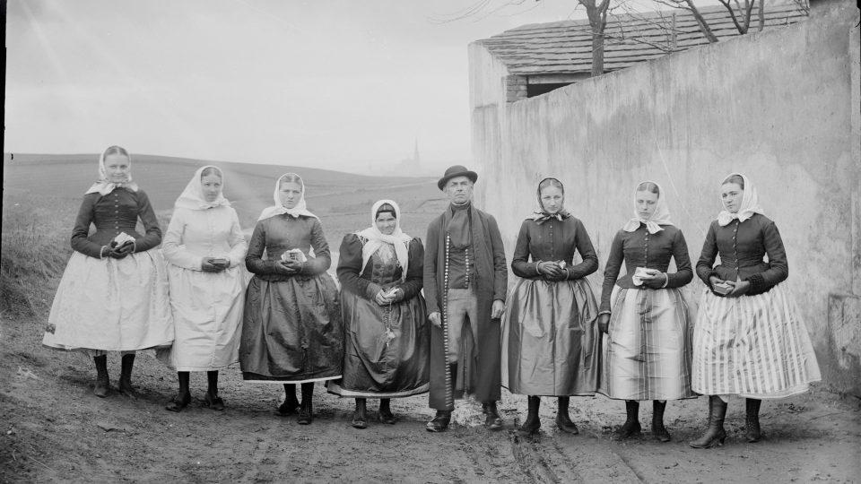 Na konci století přibývalo nadšených fotografů amatérů. V Plzni si již roku 1894 založili klub. Jedním z nich byl Adolf Kopecký, vnuk purkmistra Martina Kopeckého