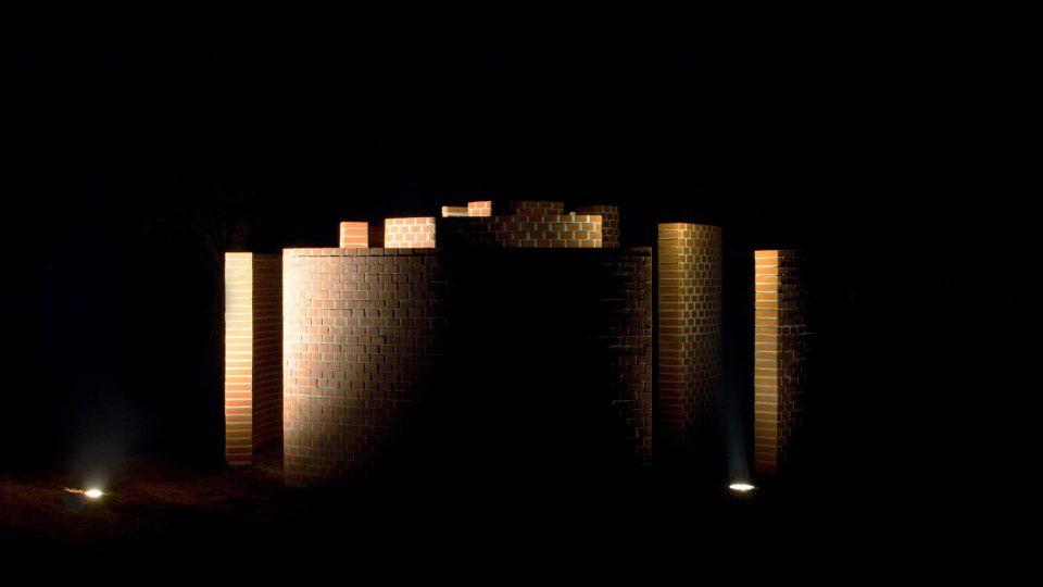 Parmiggianiho Dům pod půlměsícem po obnově