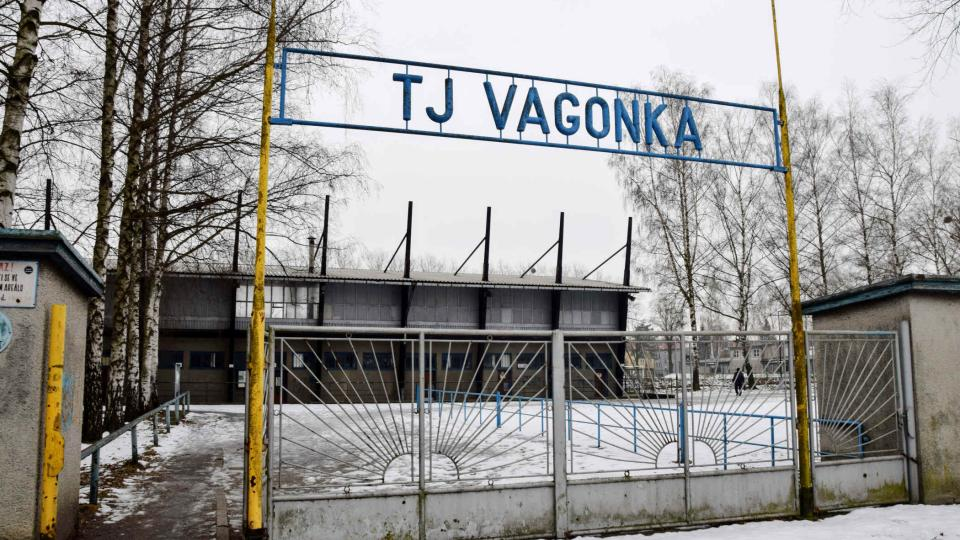 Areál TJ Vagonka je podle fotbalistů zchátralý