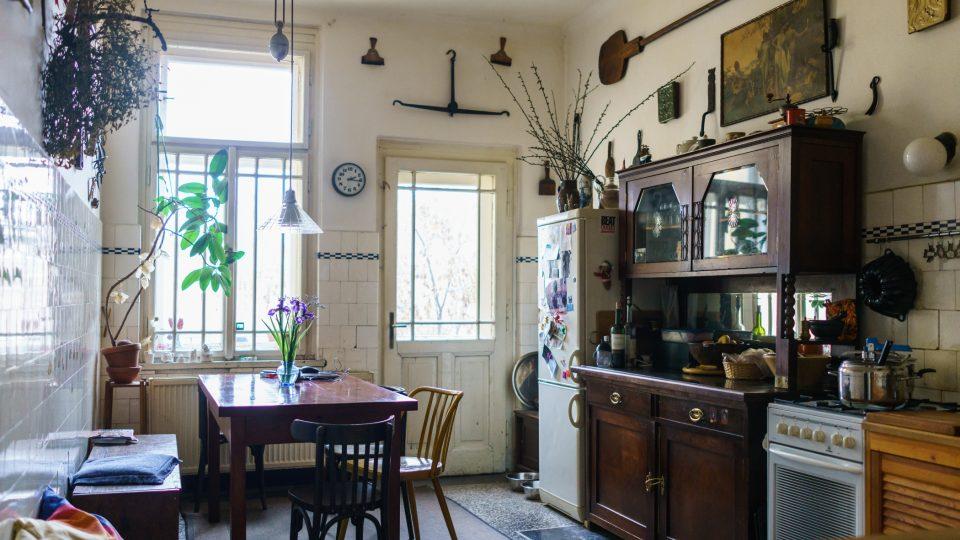 Kuchyň Němcových vyzdobil před lety Ivan Martin Jirous