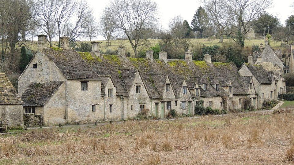 Arlington Row je pýchou Bilbury v hrabství Gloucestershire