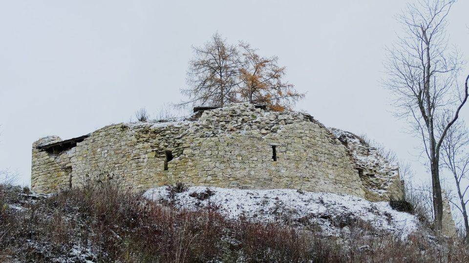 Zřícenina hradu Brandýs nad Orlicí patří mezi nejohroženější památky v Česku, postupně se opravuje