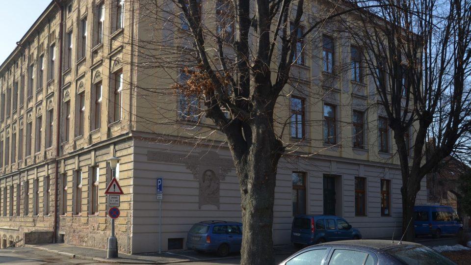 Bývalý učitelský ústav, odtud odvedlo gestapo Rudolfa Formana