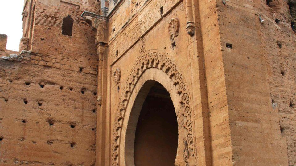 Hlavní brána do archeologického komplexu Sala Colonia v Maroku