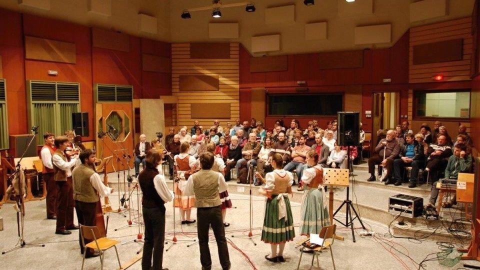 Lidová muzika z Chrástu v Českém rozhlasu Plzeň