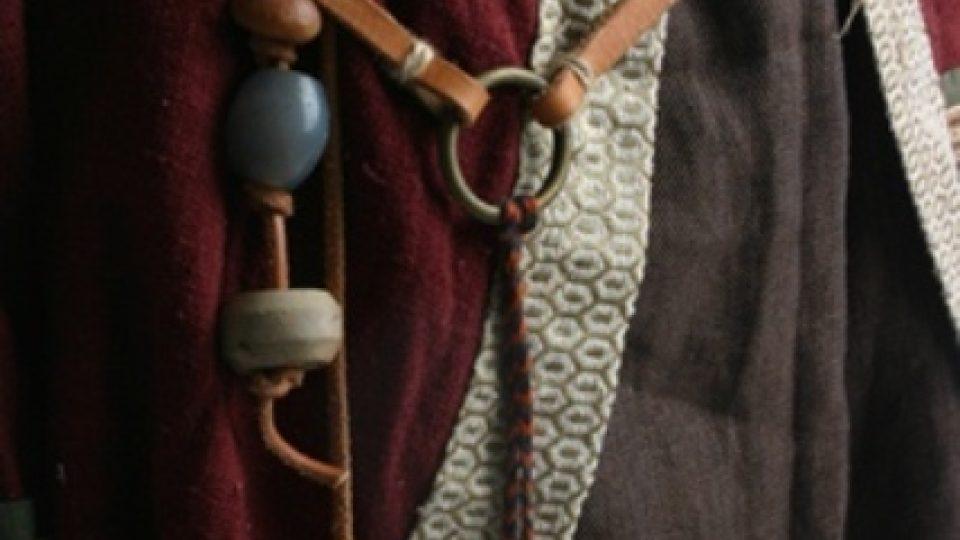 Rekonstrukce oděvu podle archeologických nálezů - detail opasek - doba stěhování národů