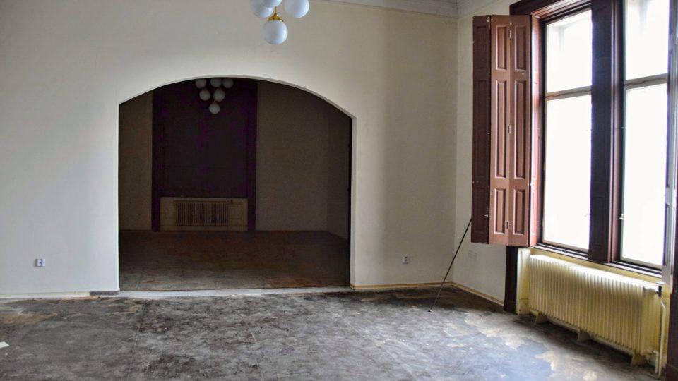 Hlavní místnost v Ringhofferově vile, která bude přestavěna na obřadní síň