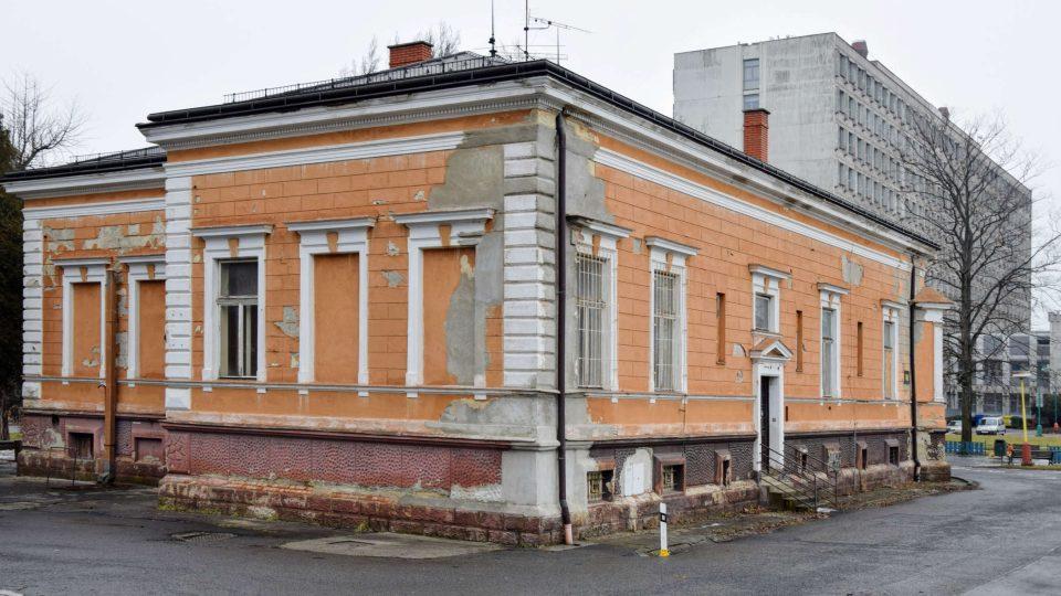 Ringhofferova vila bude sloužit radnici (v pozadí) jako reprezentační prostor
