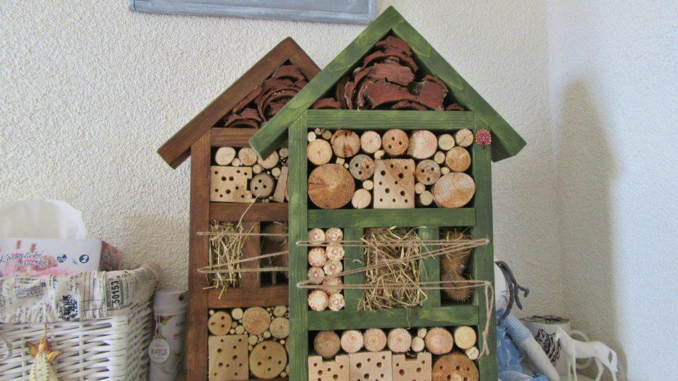 Hmyzí domečky jsou i příjemnou dekorací