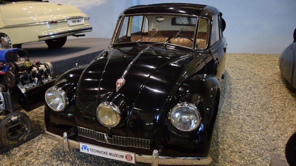 Tatra 87 patřila k typickým aerodynamickým vozům
