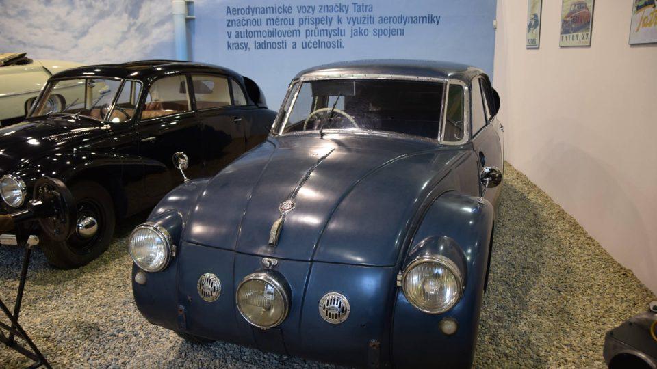 Tatra 77 byl prvním sériově vyráběným autem na světě s aerodynamicky tvarovanou karosérií