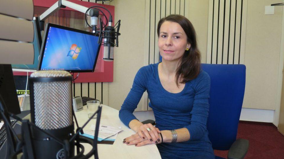 Organizátorka běžeckých kurzů pro veřejnost Run4run Aneta Žďárská ve studiu Českého rozhlasu Hradec Králové