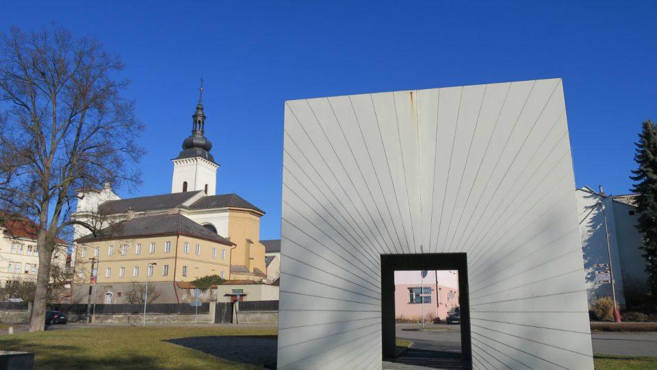 Brána času vznikla podle návrhu architektky Markéty Veselé
