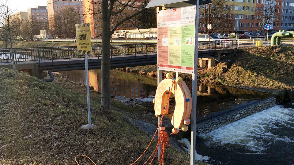 Záchranné vybavení v Chrudimi u zimního stadionu