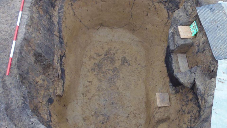 Kostelec hrob - archeoložkaMartina Beková