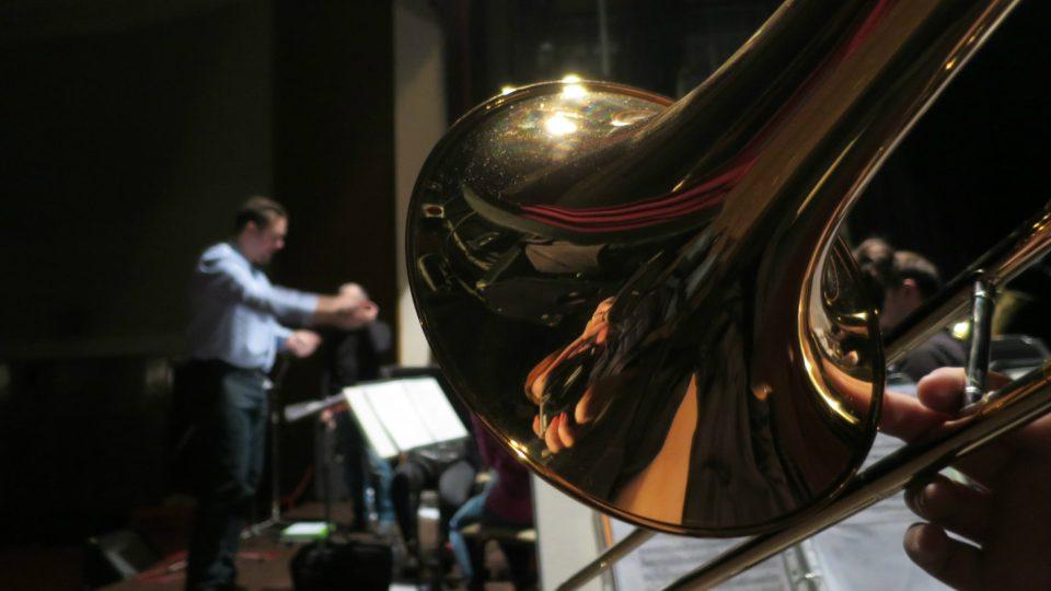 Zkouška dechového orchestru v Kulturním domě v Holicích