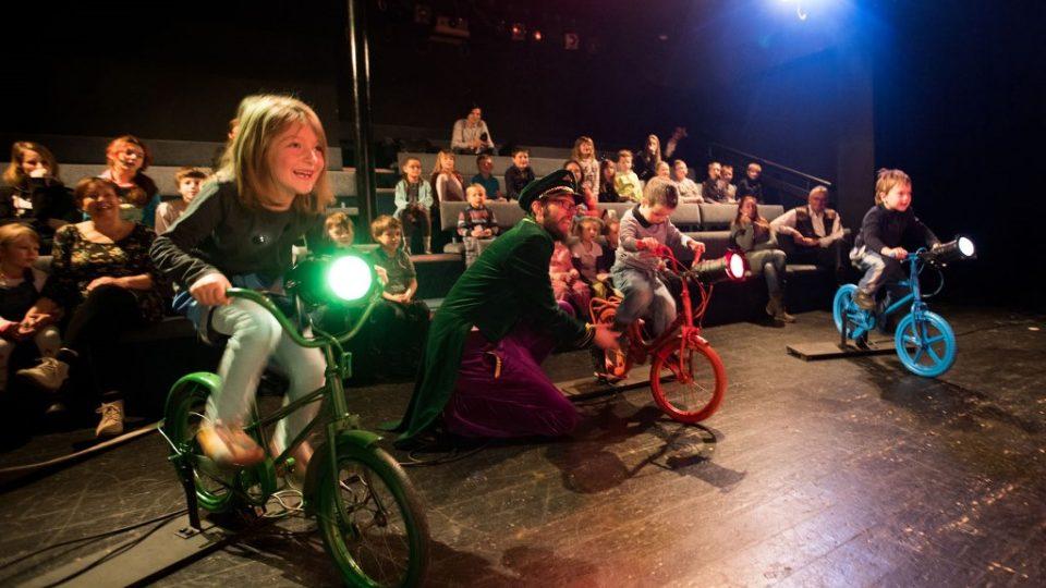 Představení Vše, co jste o divadle nikdy nechtěli vědět, ale my vám to stejně řekneme v Malém divadle v Českých Budějovicích