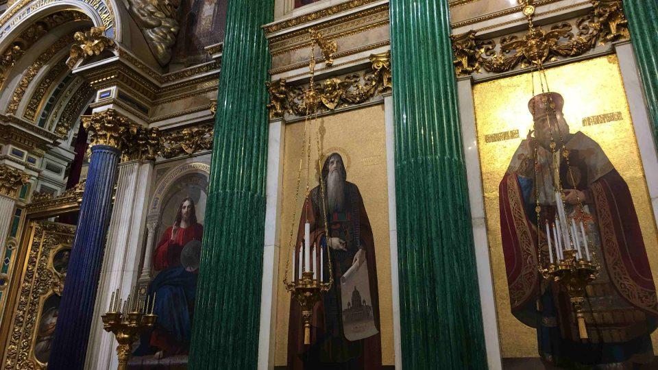 Interiér chrámu sv. Izáka v Petrohradu