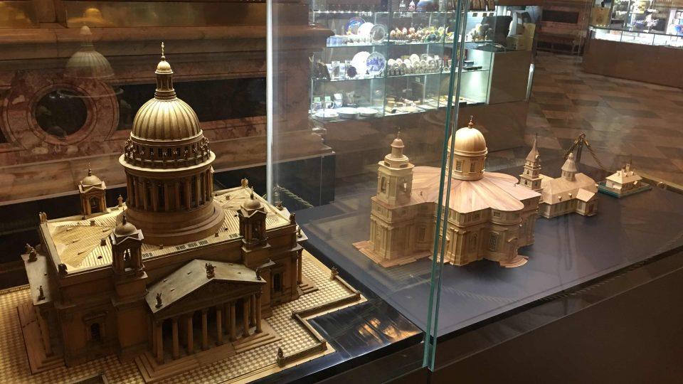 Model chrámu sv. Izáka v Petrohradu