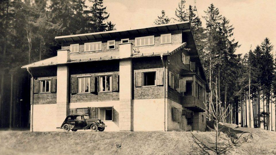 Janderova chata (dnešní Hvězda) byla postavená v roce 1940.jpg