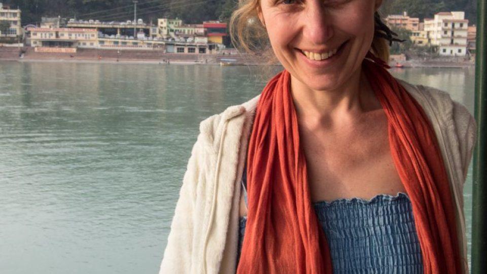 Ilustrátorka, výtvarnice a autorka zajímavých stolních her nejen pro děti - Lucie Ernestová, v Indii