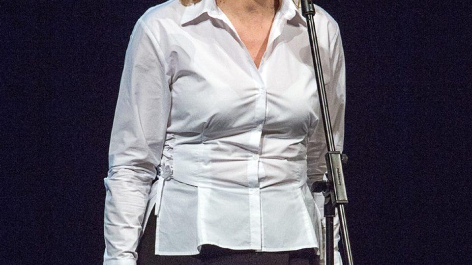 Cenu v oboru činohra získala Věra Hlaváčková, která zaujala rolí Margery v inscenaci  Přisámbůh! a také rolí Johanky Dvořákové ve hře  Úča musí pryč!