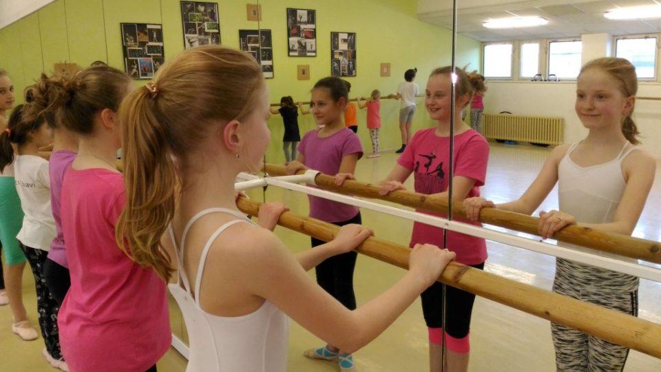 Láska k baletu a tvrdá dřina: Baletní škola v Liberci vychovává pro Šaldovo divadlo malé tanečníky
