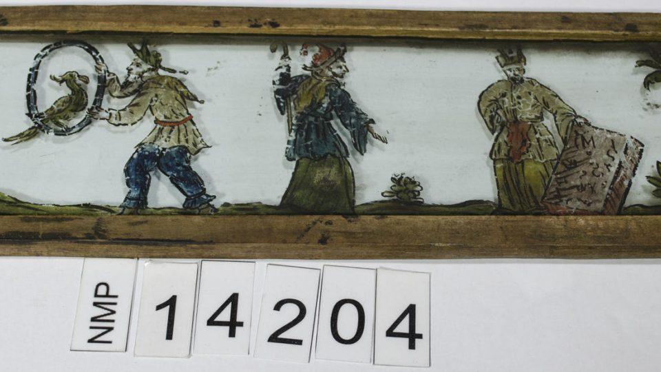 Obrázek pro laternu magiku, zobrazující 4 čaroděje. Datováno kolem roku 1800