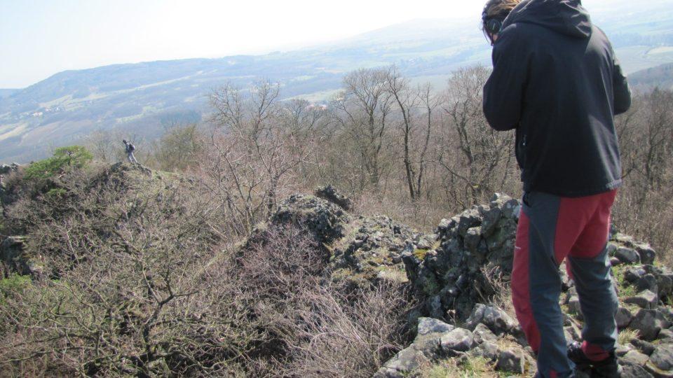 Trojhora je jediný kopec v České republice, který má typické znaky vysokohorských štítů