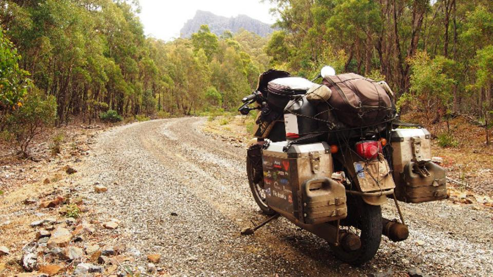 Pavel Suchý projel na jawě Austrálii