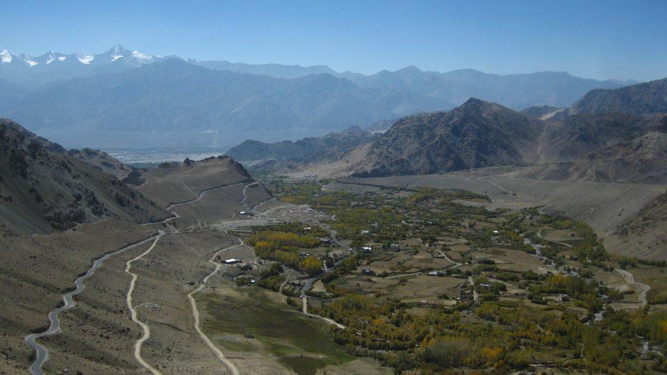 Výhled zpátky do údolí k Lehu