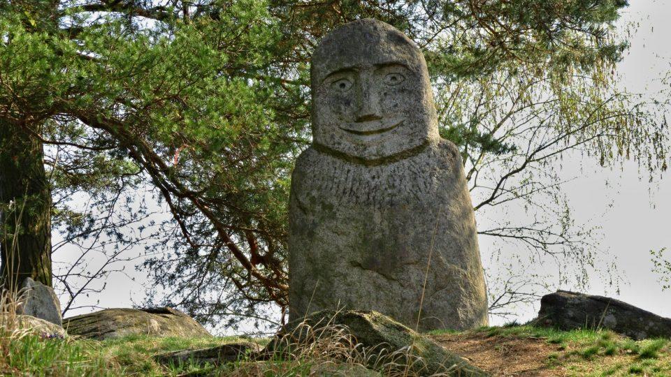 Někomu připomíná socha velikány z Velikonočních ostrovů