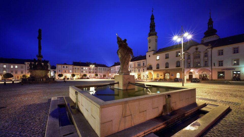 Masarykovo náměstí v Moravské Třebové s historickou radnicí