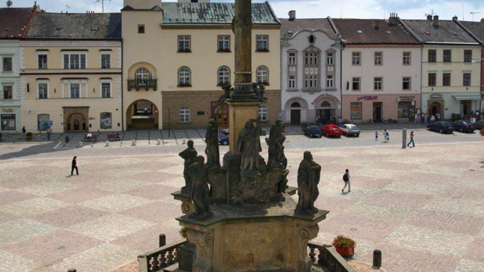 Náměstí v Moravské Třebové s renesanční radnicí
