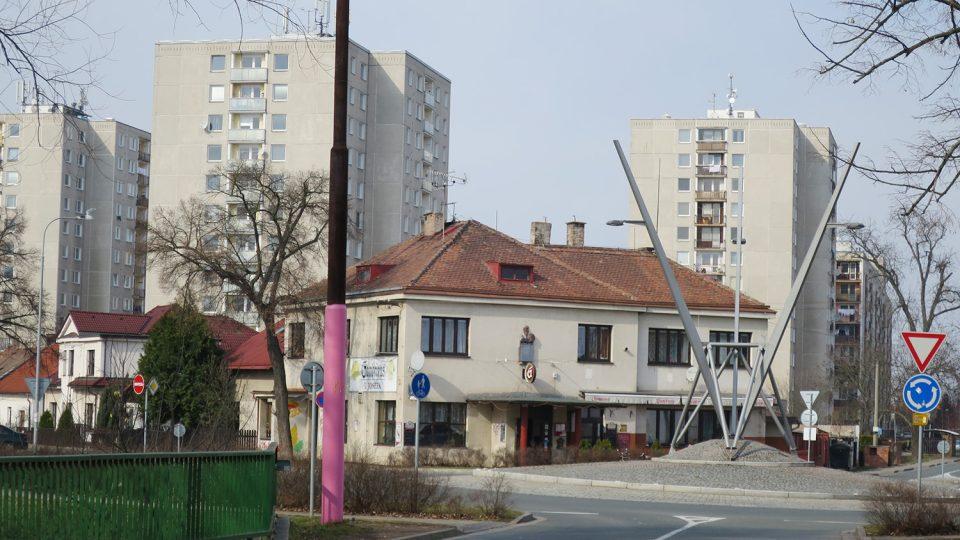 Původní sloup trolejového vedení v Kunětické ulici