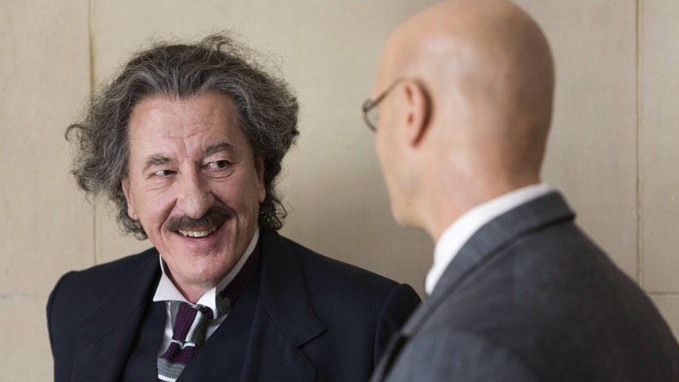 Alberta Einsteina ve zralém věku v podání australského hercew Geoffreyho Rushe