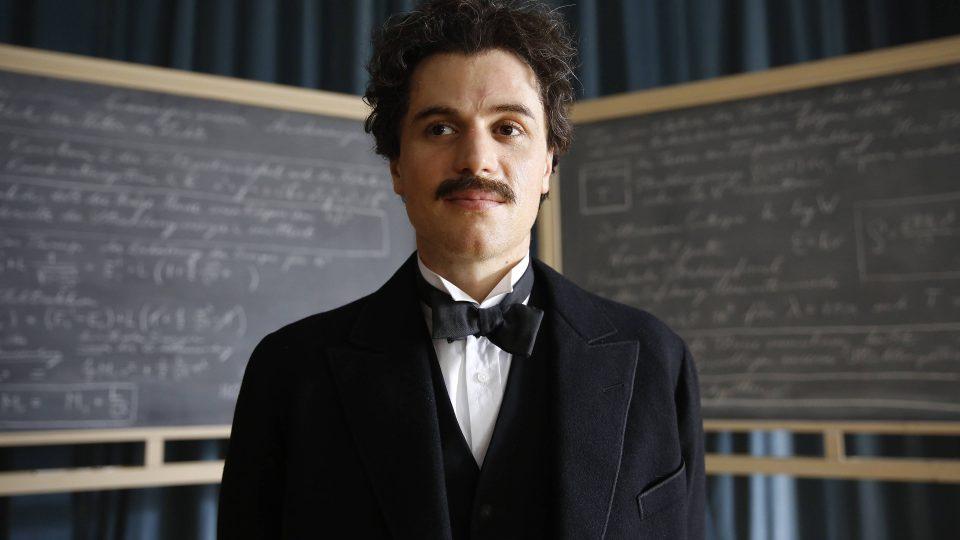 Ke svým největším objevům Einstein nedospěl na základě laboratorních pokusů, byly výsledkem vizuálních experimentů v jeho hlavě