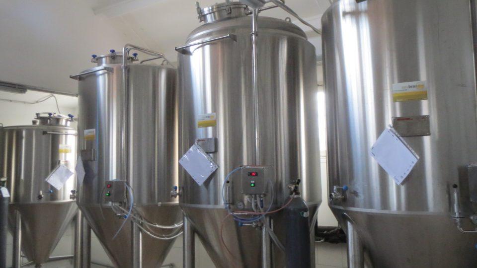 V minipivovaru  Rebel's se zaměřují na piva stout a IPA